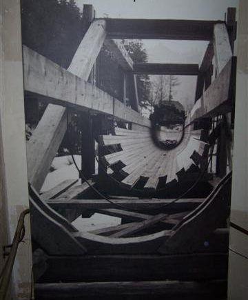 houten-baan-vortex-waterwerveling-werveling-water-aquapurica-water-filter-water-vitalisatie-bronwater-kwaliteit-zuiver-en-vitaal-water